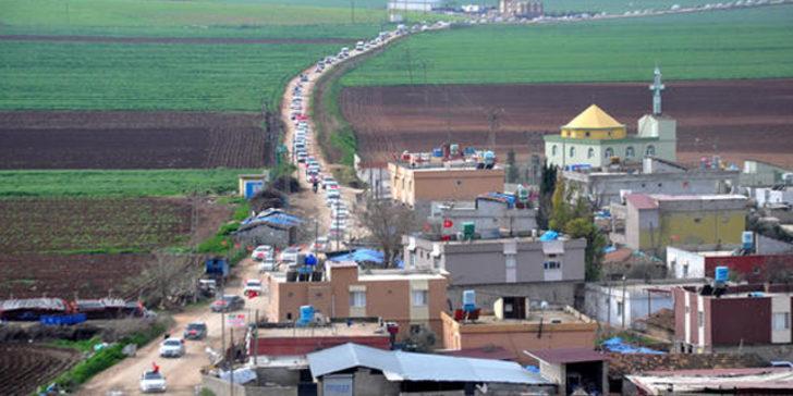 Yüzlerce araçla geldiler! Mehmetçik'e destek oldular...