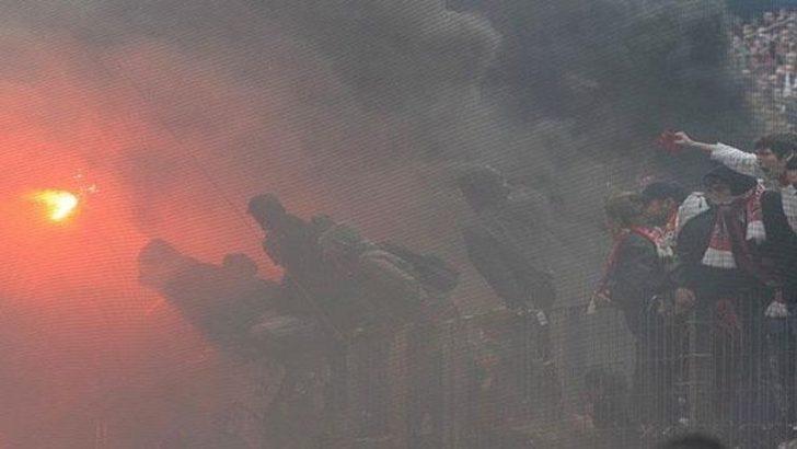 Küme düşünce stadı yaktılar (Video)