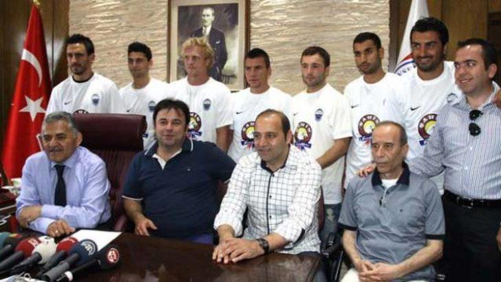 Erciyesspor'da toplu imza töreni!
