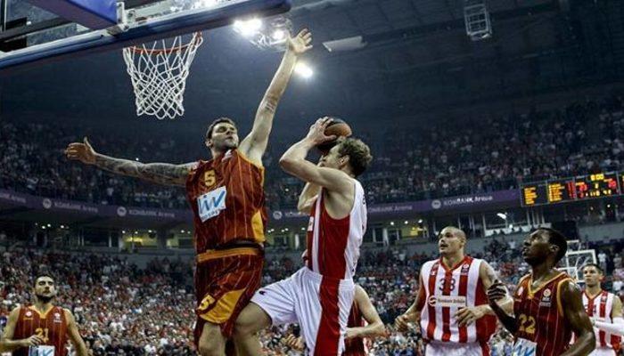 Galatasaray mağlubiyetle başladı