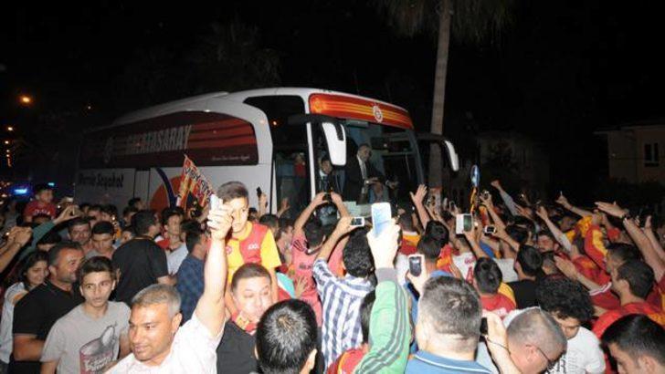 Adana Havalimanı'nda Galatasaray krizi
