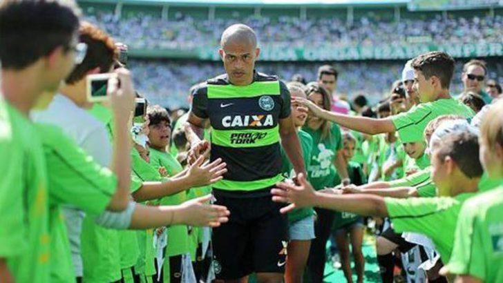 Cruzeiro'dan Alex'e jübile