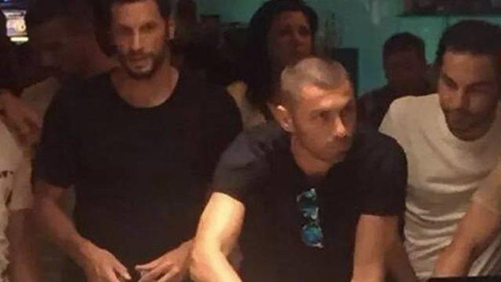 Galatasaraylı futbolcular kumar oynarken yakalandı