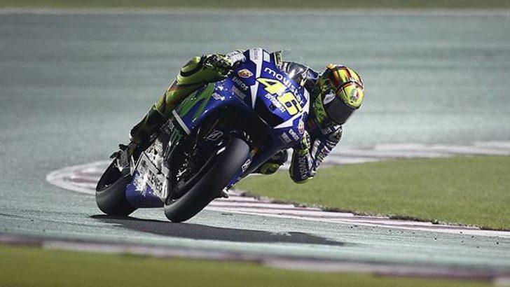Rossi yağmur altında liderliğe yükseldi