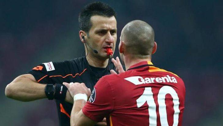 Sneijder yine hakeme küfretti