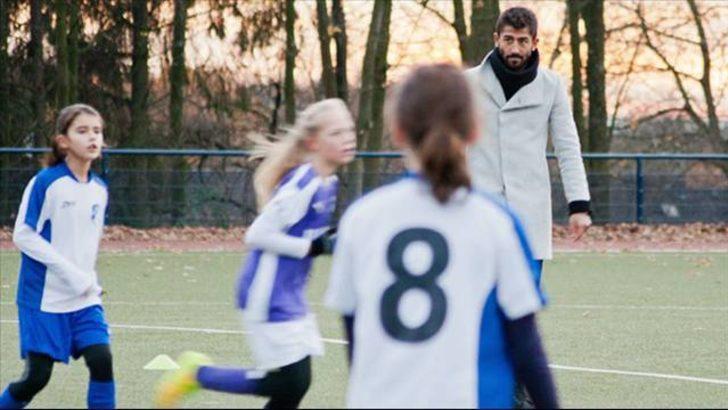 Kerem Demirbay kızlar maçını yönetti