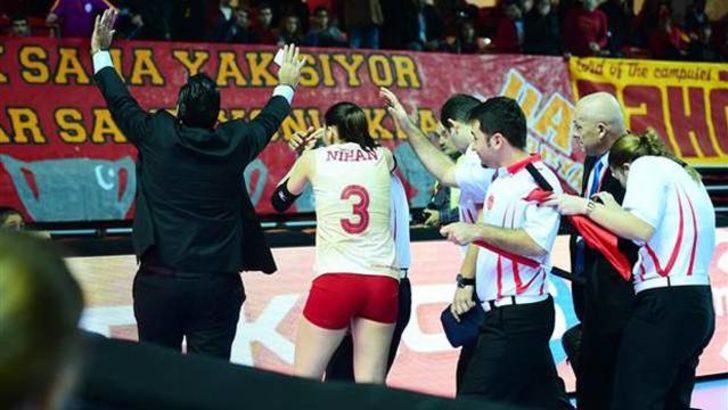 Galatasaray çok sert: Voleybol hakemleri akıllarını başlarına alacak