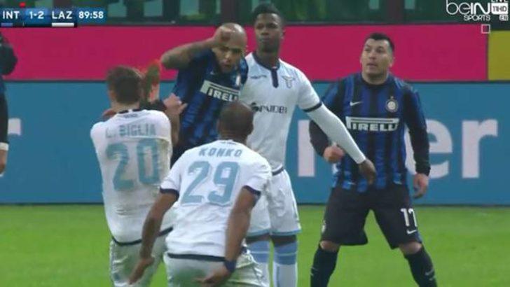 Felipe Melo çıldırdı! Önce penaltı, sonra tekme ve kırmızı kart!