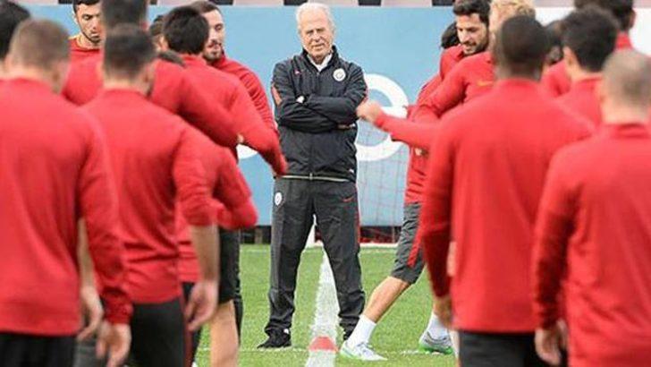 Galatasaray idmanında Chedjou gerginliği!