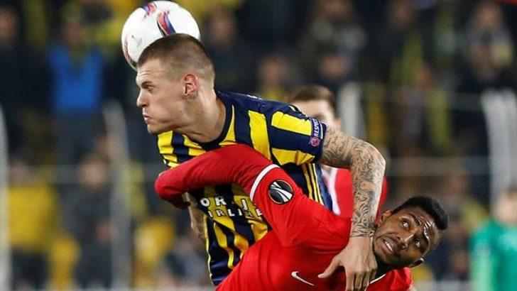 Skrtel, UEFA haftanın 11'inde
