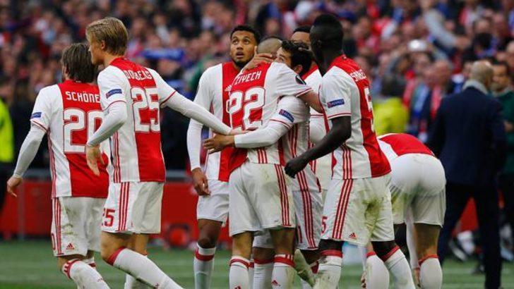 Ajax 4 - 1 Olympique Lyon
