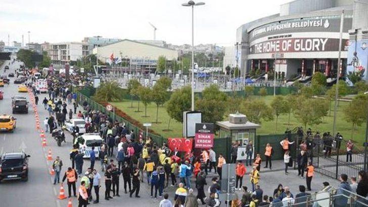 Sinan Erdem Spor Salonu'nun 4'te 3'ü Fenerbahçeli