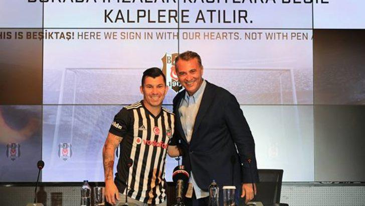 Medel resmen Beşiktaş'ta! İmza töreni düzenlendi