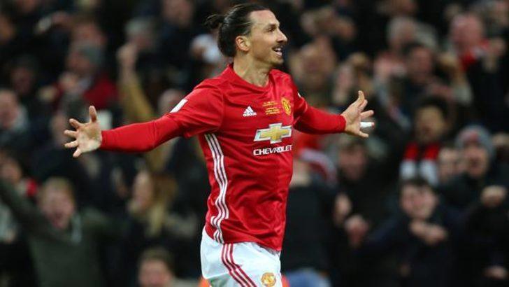 Zlatan İbrahimovic, Manchester'a dönüyor