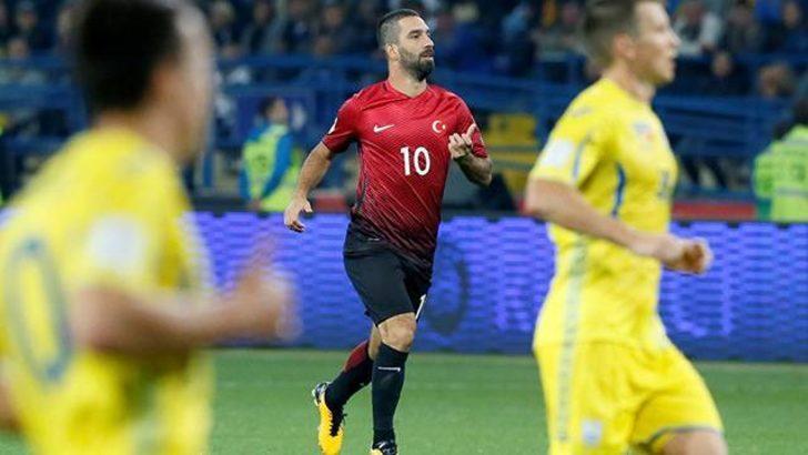 Arda Turan Galatasaray'a transfer olmayacağını açıkladı