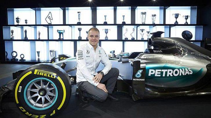 Mercedes Valtteri Bottas'ın sözleşmesini 1 yıl uzattı