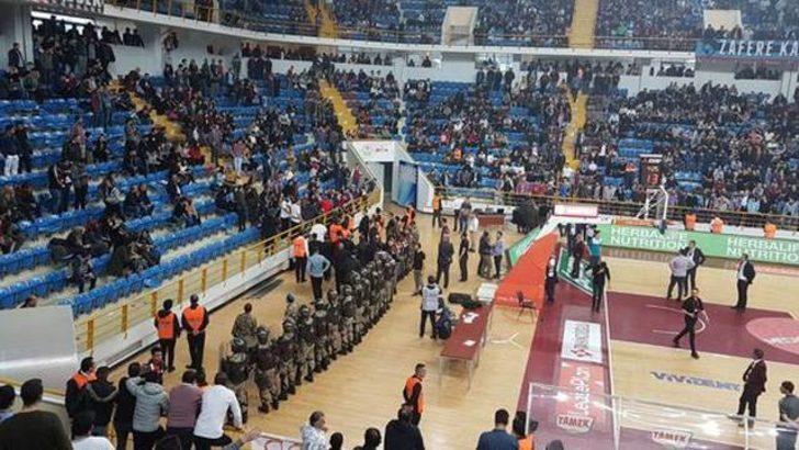 Trabzonspor - Fenerbahçe maçında olay çıktı!