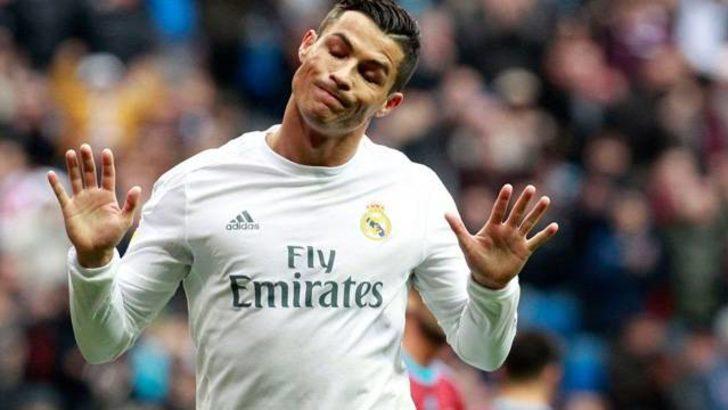 Cristiano Ronaldo tarihe geçti!