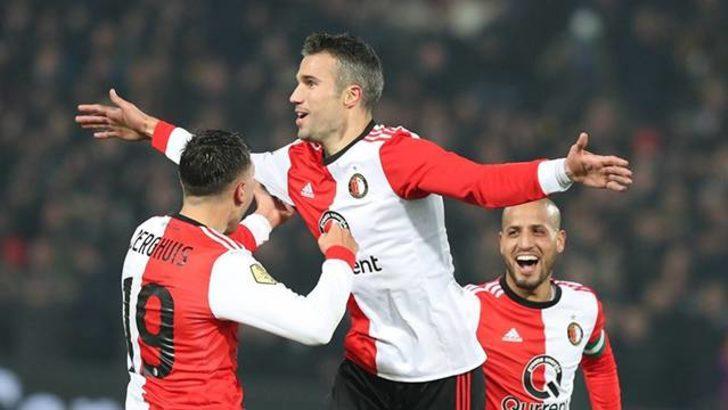 Van Persie Feyenoord'daki ilk golünü kaydetti