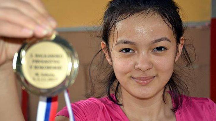 Genç güreşçi Zeynep Acar hedef büyüttü