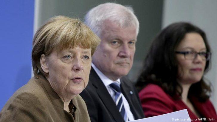 Alman koalisyon partilerinin oy oranında tarihi düşüş