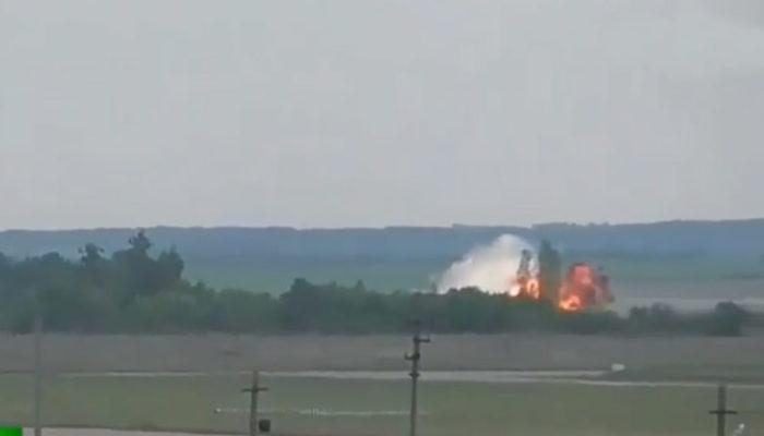 Son dakika! Rus uçağının düşme anı görüntülendi!