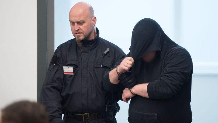 Almanya'da 8 aşırı sağcı, göçmenlere saldırıdan hapse mahkum oldu
