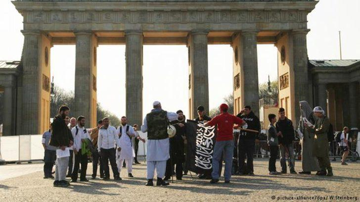 Neonaziler ve İslamcıların kader birliği