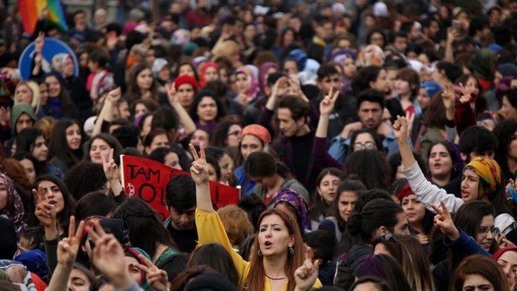 Diyarbakır'da Afrin Mesajlı 8 Mart Kutlaması