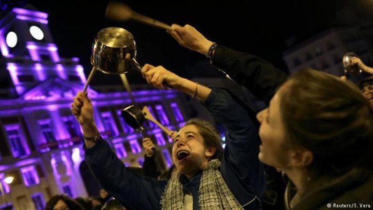 İspanya'da kadınlar grev yaptı