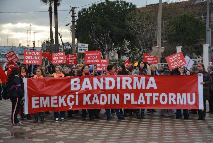 Bandırma'da kadınlar 8 Mart'ı kutladı