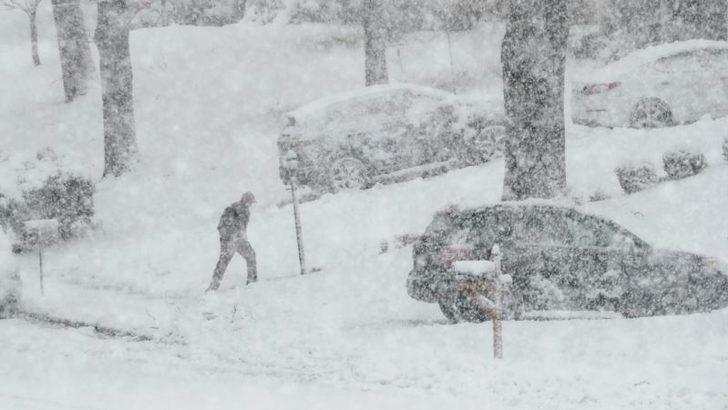 ABD'nin Kuzeydoğusunda Fırtınalar Durmuyor
