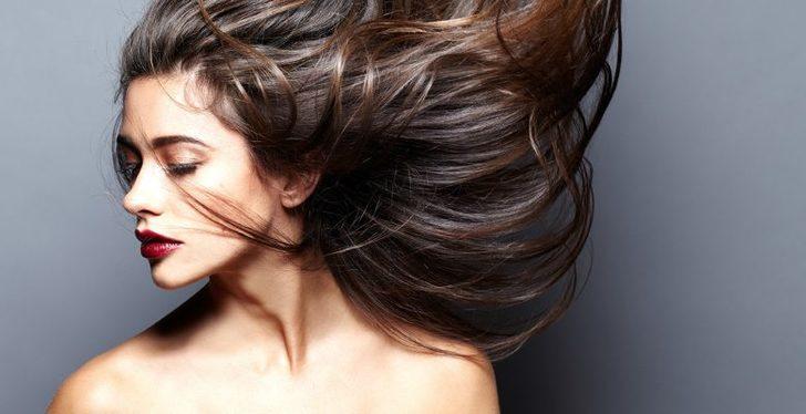 Saçınızın çabuk yağlanmasını önleyecek basit ipuçları