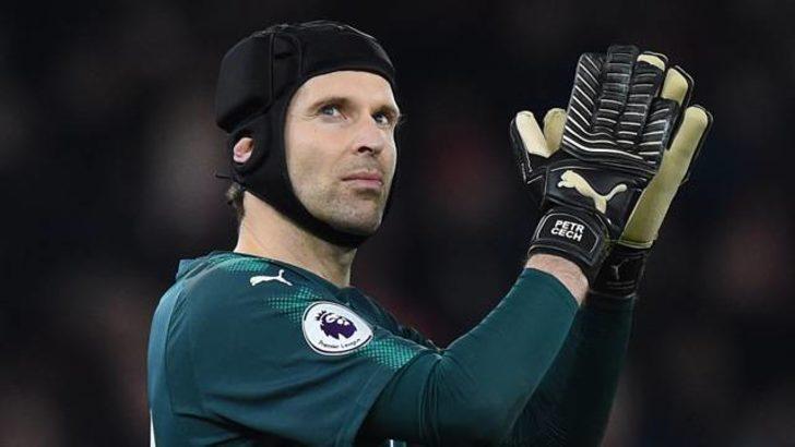Cech gol yemeden 200. maçını tamamladı