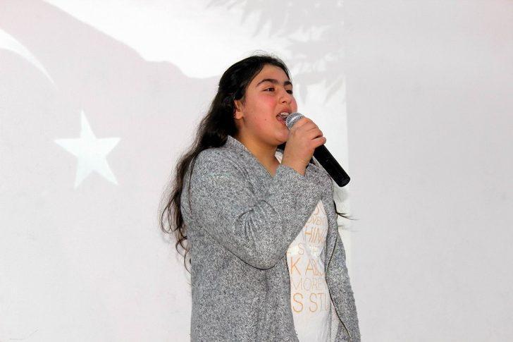 Erzincan'da Ahıska Türkü Çocuklar İstiklal Marşı'nı Güzel Okumak İçin Yarıştı