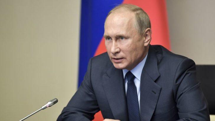 Time yeni sayısının kapağında Putini başında taçla gösterdi