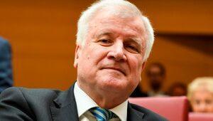 Almanya İçişleri Bakanı Horst Seehofer: İslam ülkemize ait değil