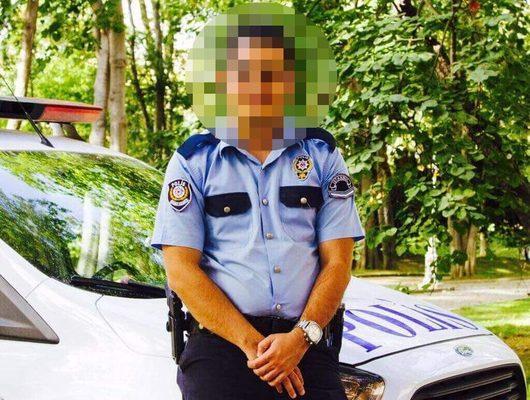 Polis arabasında genç kadına kabusu yaşattı!