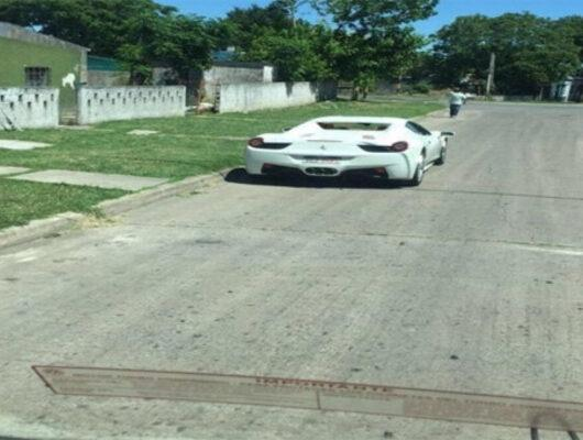 Çiftlik Bank'ın 'Tosun'u Uruguay'da manşetlerde: Ferrari 458 Spider'ı görüntülendi