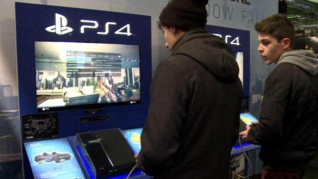 Sony oyun konsolu satışında Nintendo'yu 'solladı'