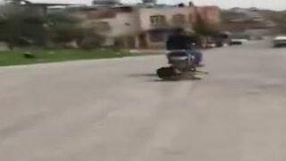 Motosiklete bağlayıp sürükledi!