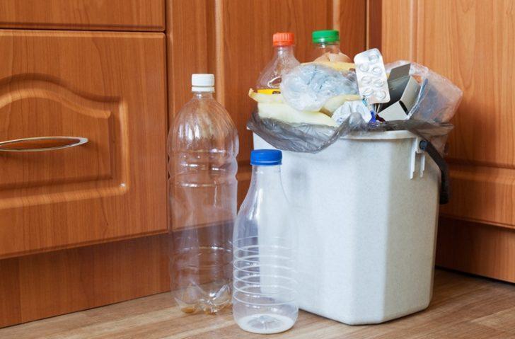 Mutfaktaki  çöp kovanıza pamuk koyun, bakın neler olacak