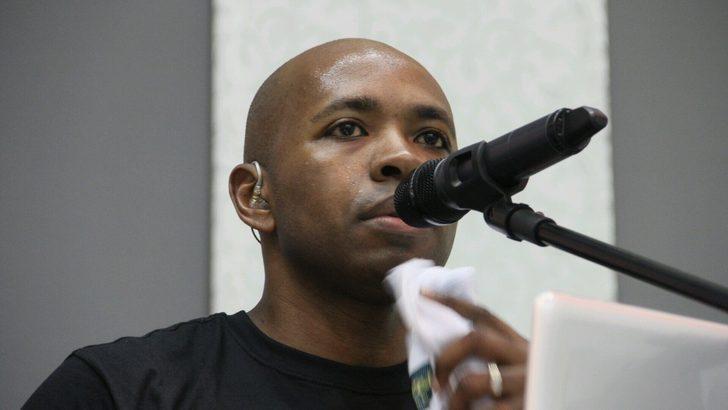 CESAR PRATES - PAPAZ | Cesar Prates, 2003-2004 sezonunda Galatasaray'da futbol kariyerini sürdürdükten sonra ülkesine dönen yıldız, futbol kariyerinin ardından bir katolik kilisesinde papaz olarak görev yapıyor.
