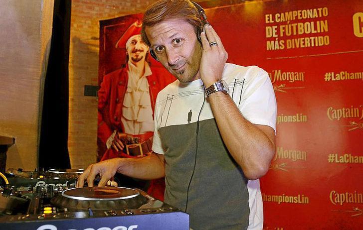 GAIZKA MENDIETA - DJ | Barcelona'da forma giyerek kariyerinin zirvesini yaşayan Gaizka Mendieta DJ'lik yapıyor.