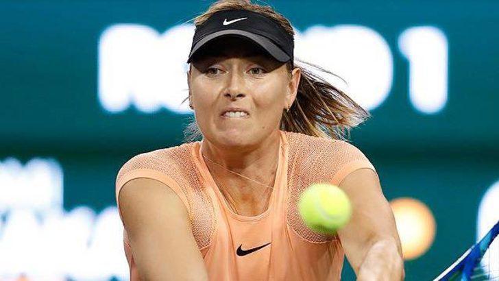 Maria Sharapova'dan erken veda