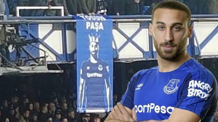 Everton taraftarından Tosun Paşa pankartı