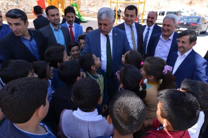 Belediye Başkanı Polat kermesin açılışını yaptı