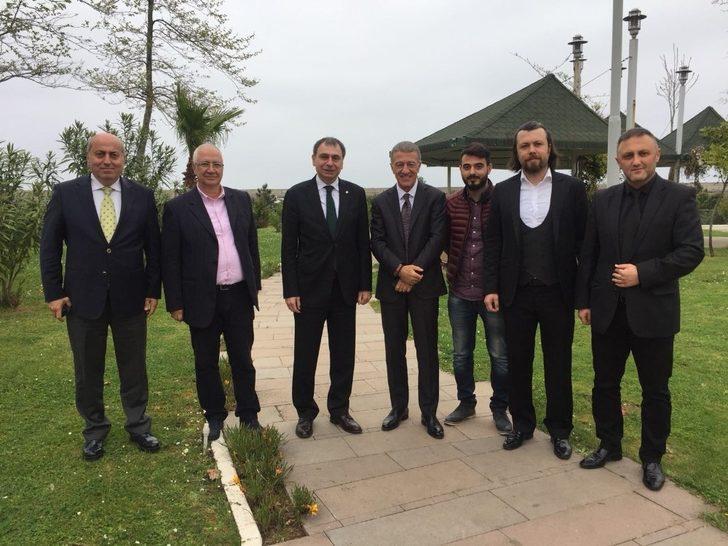 1967 Trabzonsporlular Derneği, Ahmet Ağaoğlu ve yönetim ziyaret etti