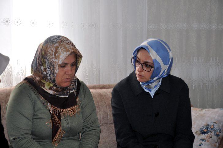 Ak Parti'li Çam, Reyhanlı'da şehit ailelerini ziyaret etti