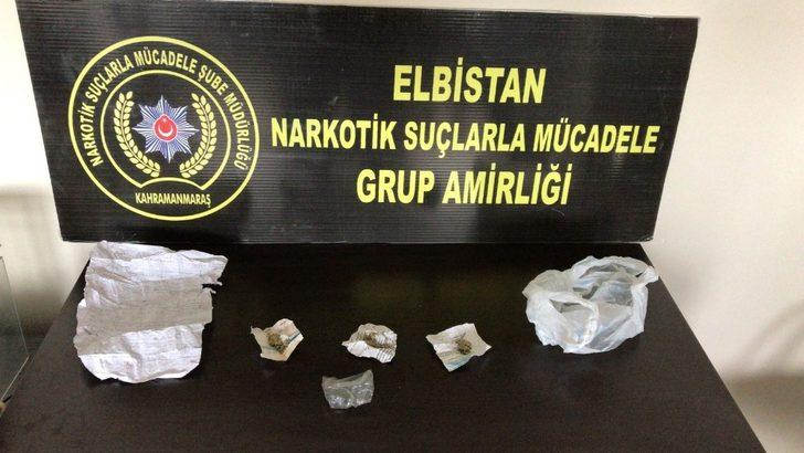 Elbistan'da uyuşturucu satıcısı 2 kişi suçüstü yakalandı
